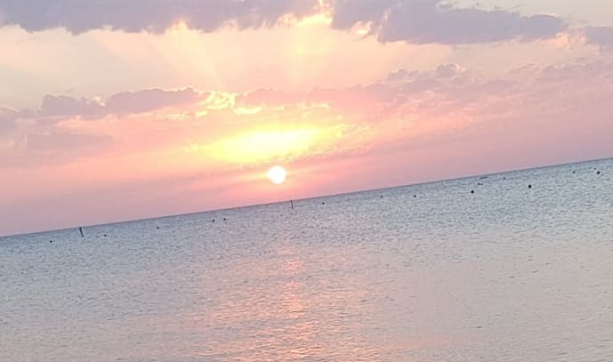 Über Liebe sprechen ist leichter, wenn wir uns noch gut daran erinnern wie es war. An diesen Tagen am Meer. Mit ihm. Mit ihr.